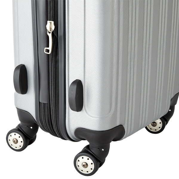 "21"" Sojourn 8-Wheeled Luggage"