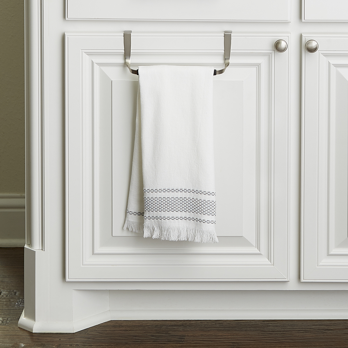 Delicieux Schnook Overcabinet Towel Bar By Umbra ...