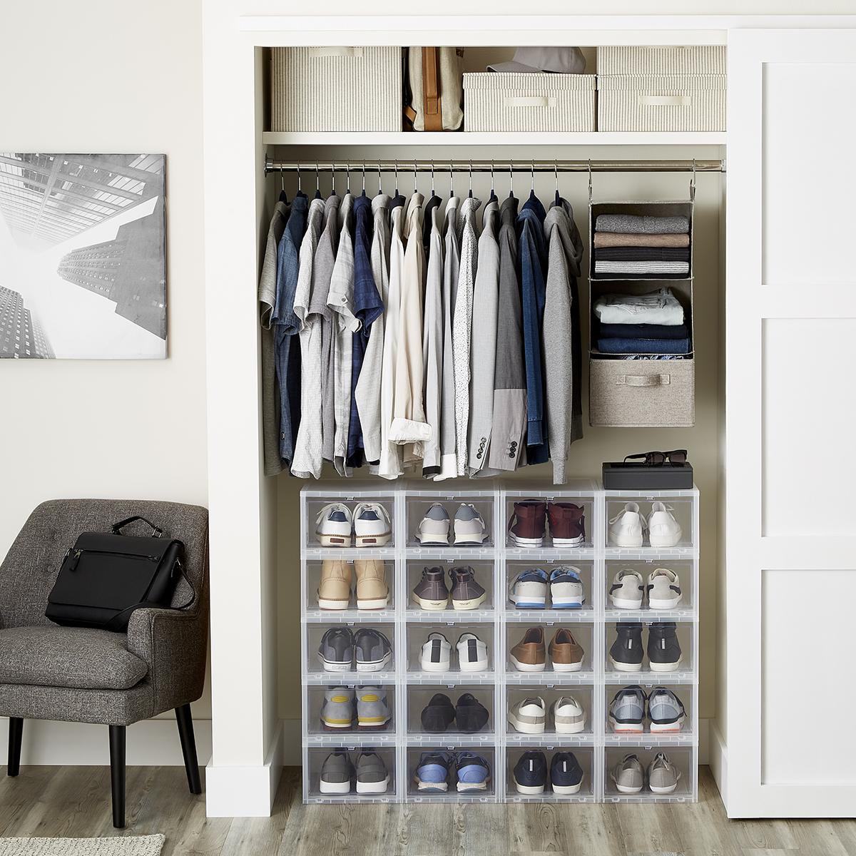 Menu0027s Small Closet ...